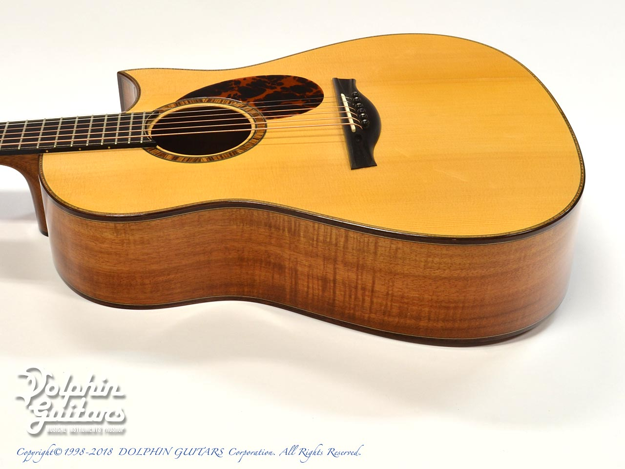FURUYA GUITARS: Small D (Hawaiian koawood) (2)