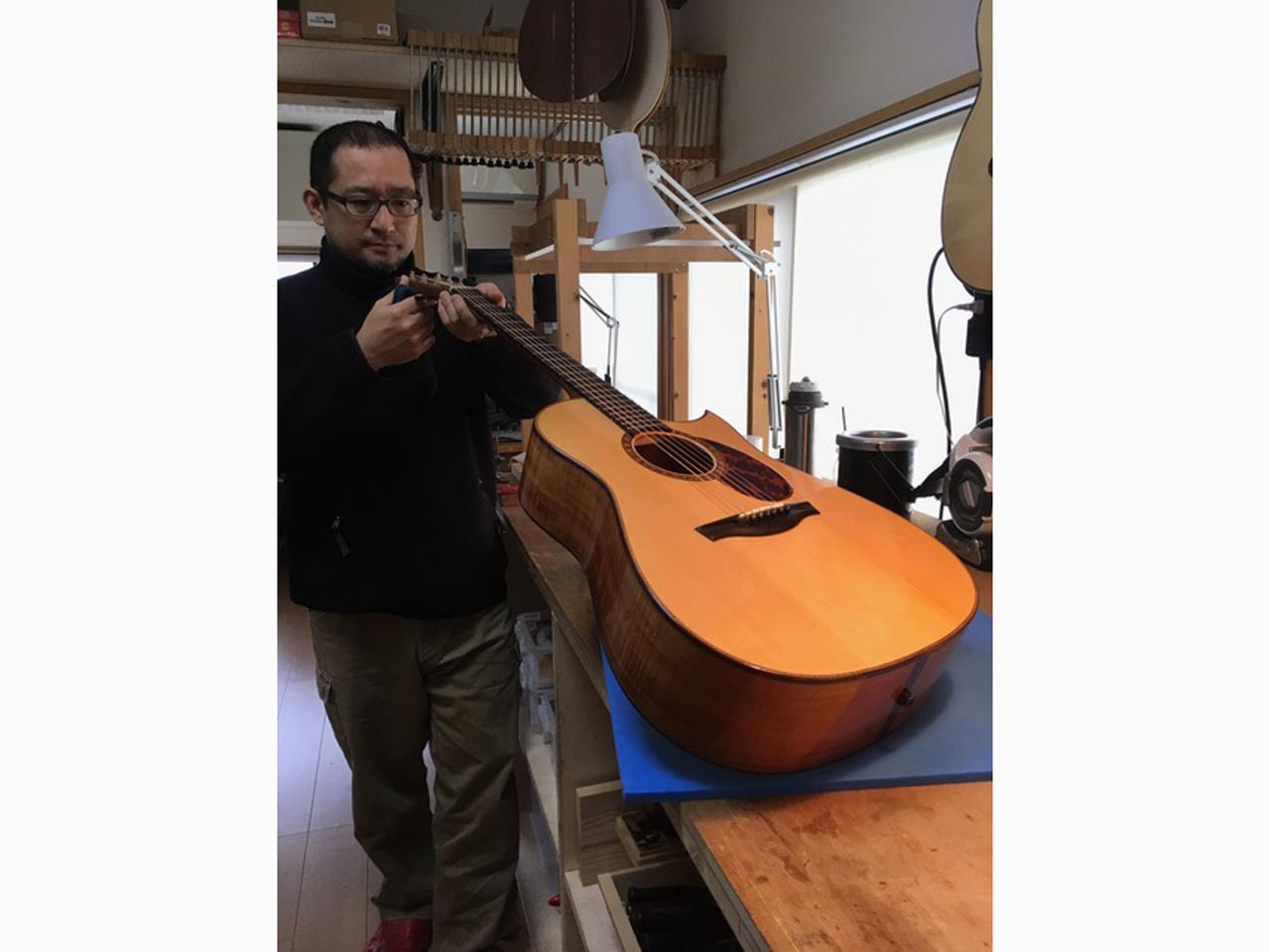 FURUYA GUITARS: Small D (Hawaiian koawood) (8)