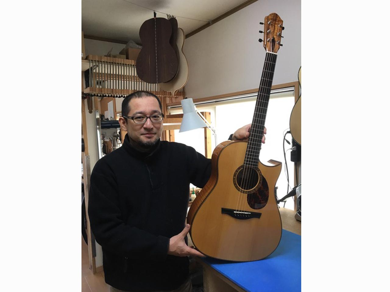 FURUYA GUITARS: Small D (Hawaiian koawood) (9)