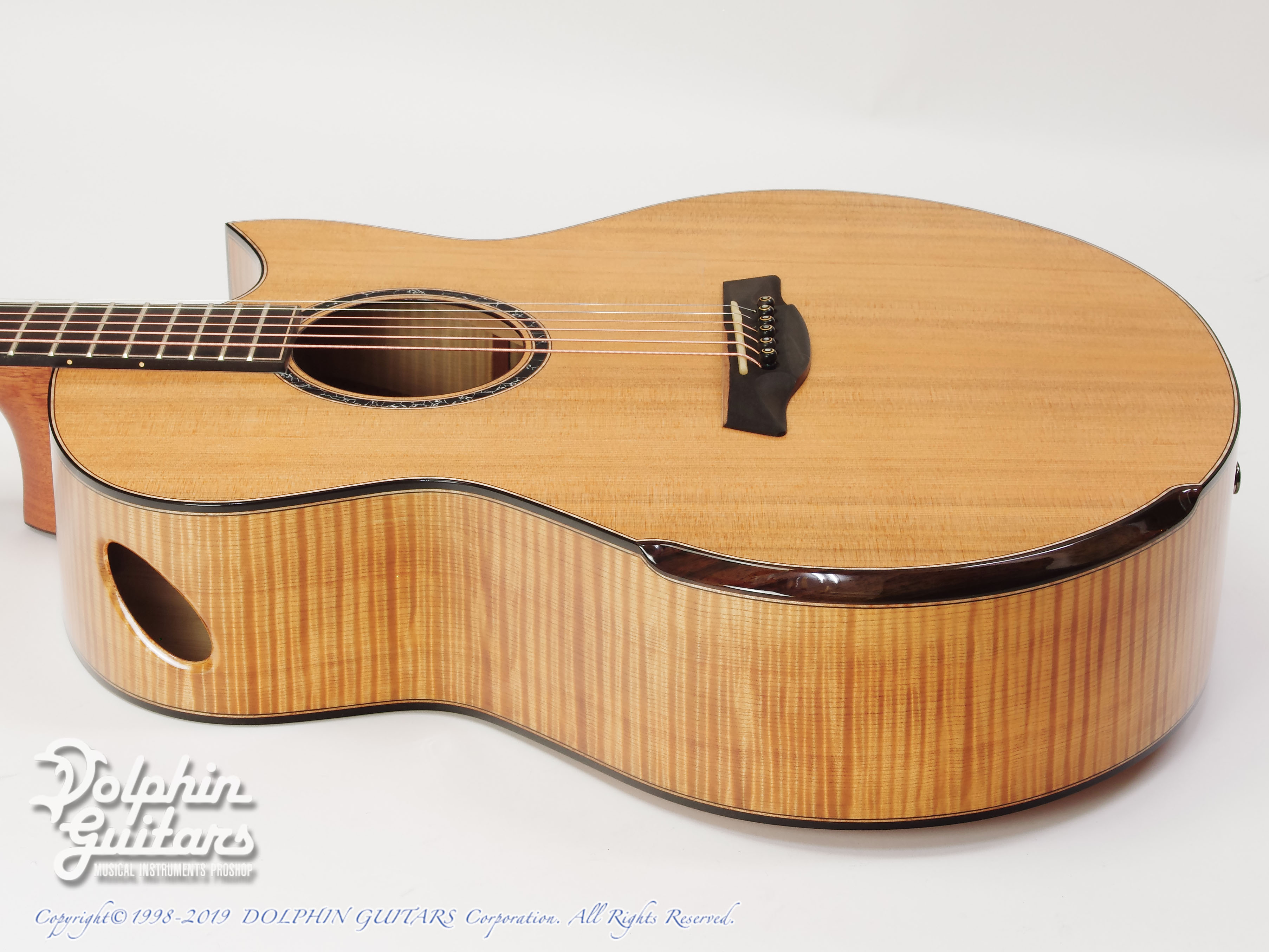 Maestro Guitars: Original Series Raffles FM CSB C (Flame Maple) (2)