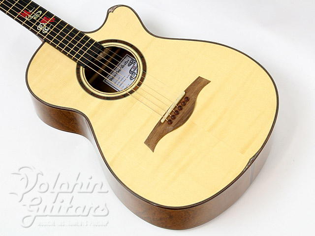 WATER ROAD GUITARS: Couchi (1)
