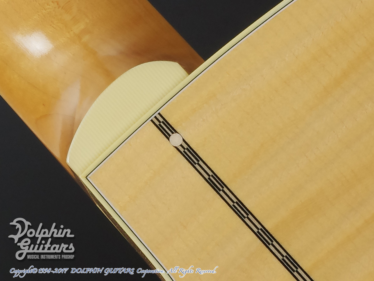 COLLINGS: SJ A Cutaway (Adirondack & Flamed Maple) (6)