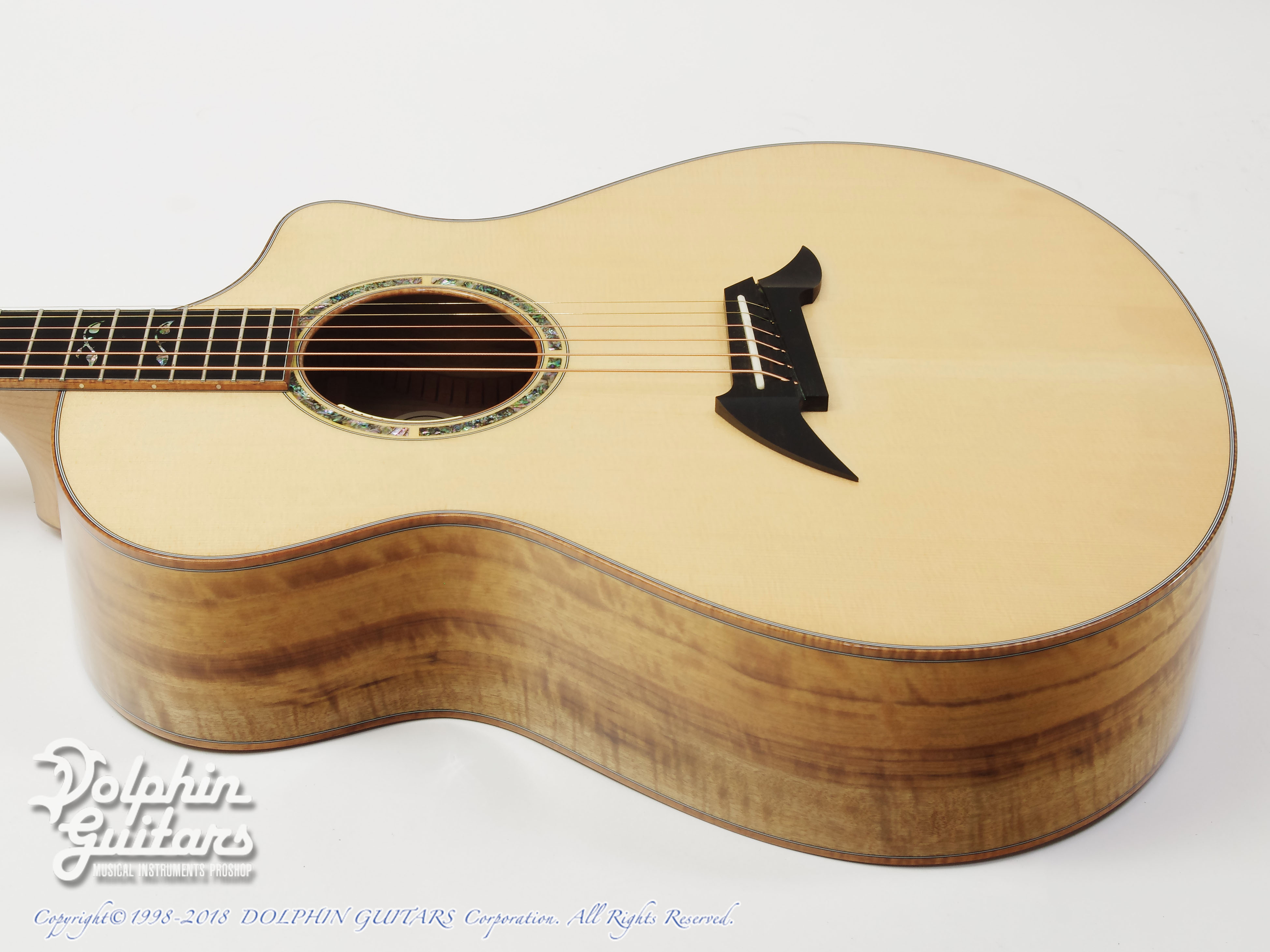 Breedlove: Master Class C26CE (Figured Mytlewood) (2)