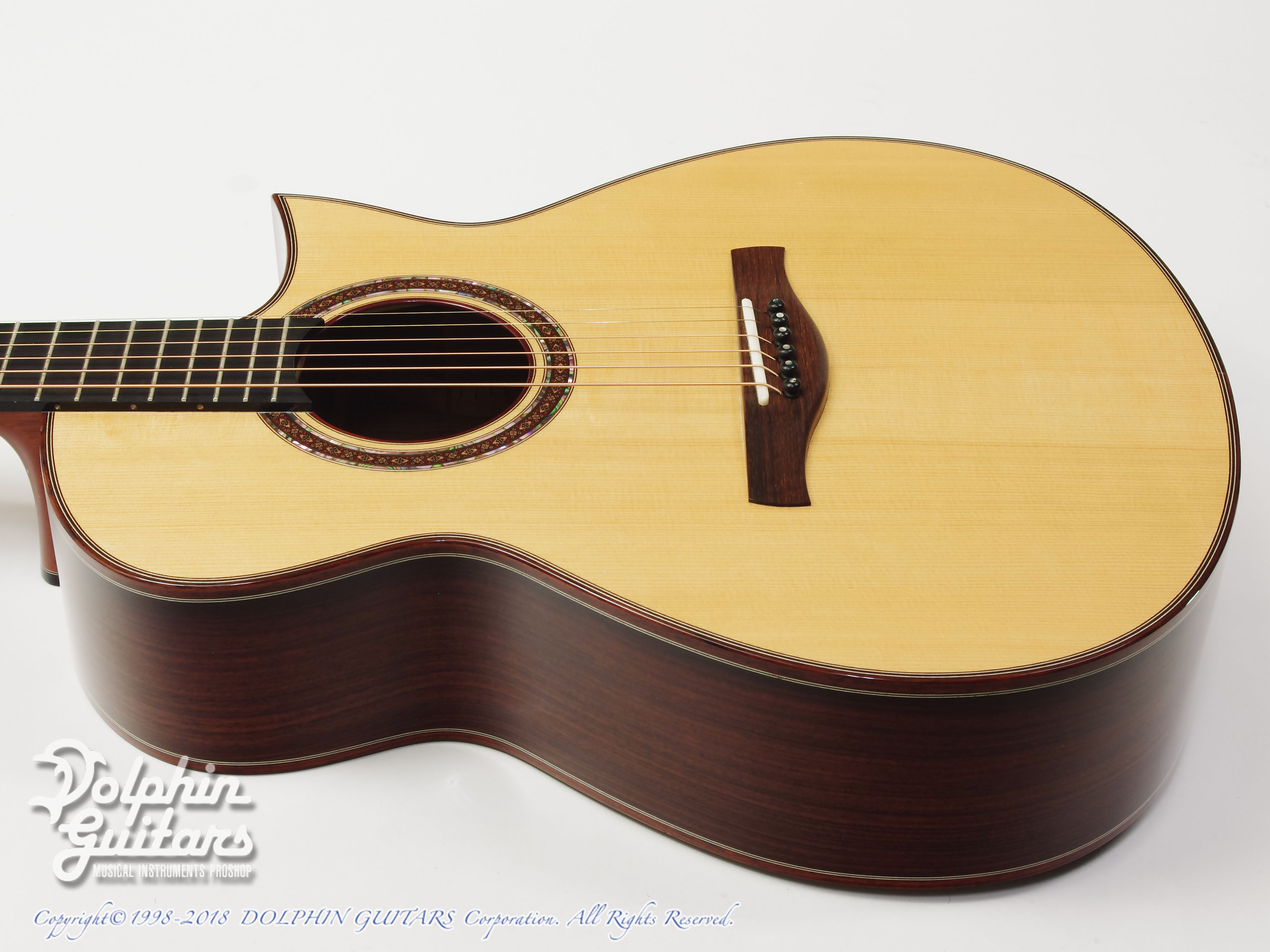 IKKO MASADA: Model C Cutaway (German Spruce & Indian Rosewood) (2)