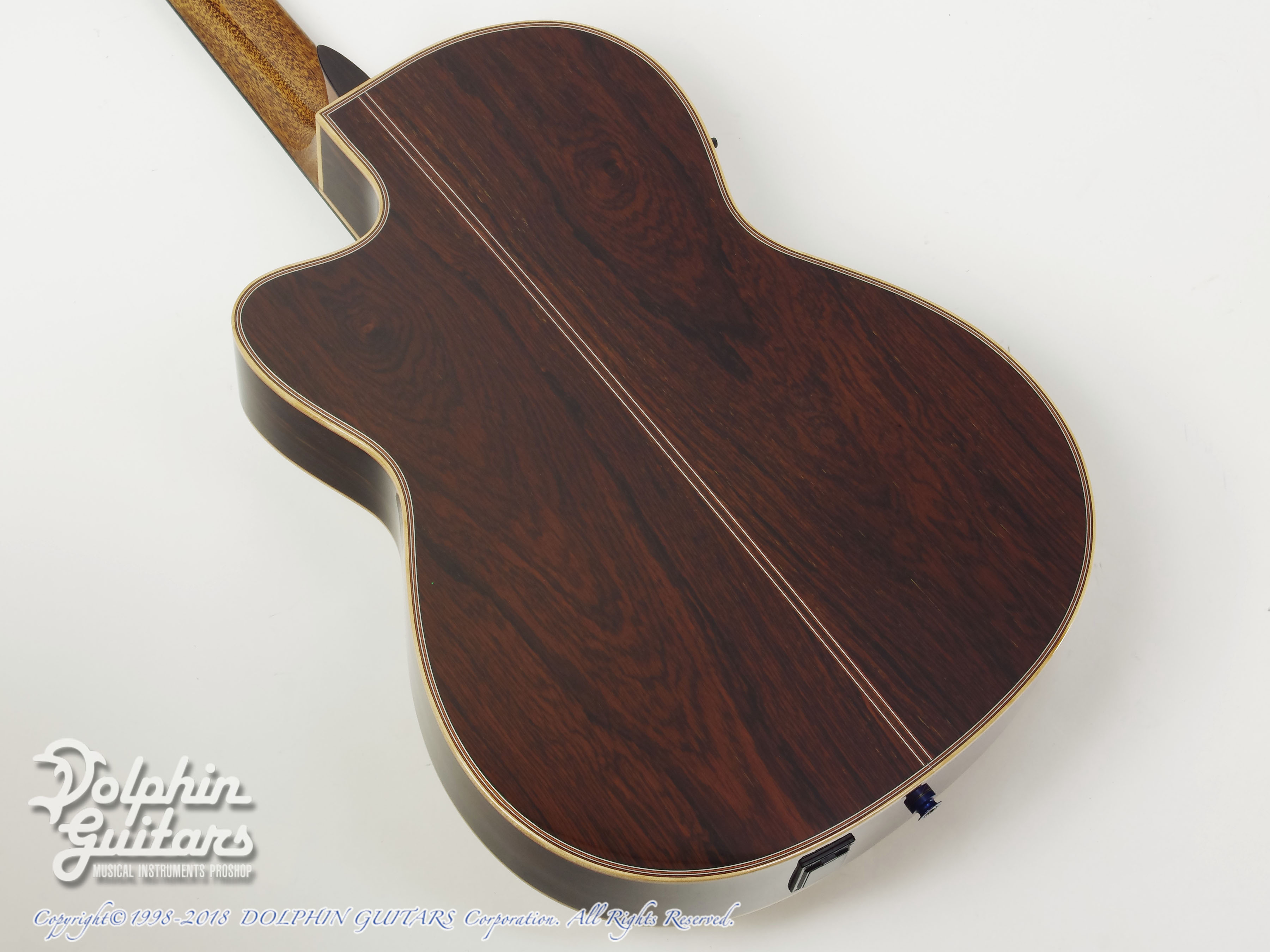 ZUCQ: Giulietta 305 ll type R LTD (Amazon Rosewood) (3)