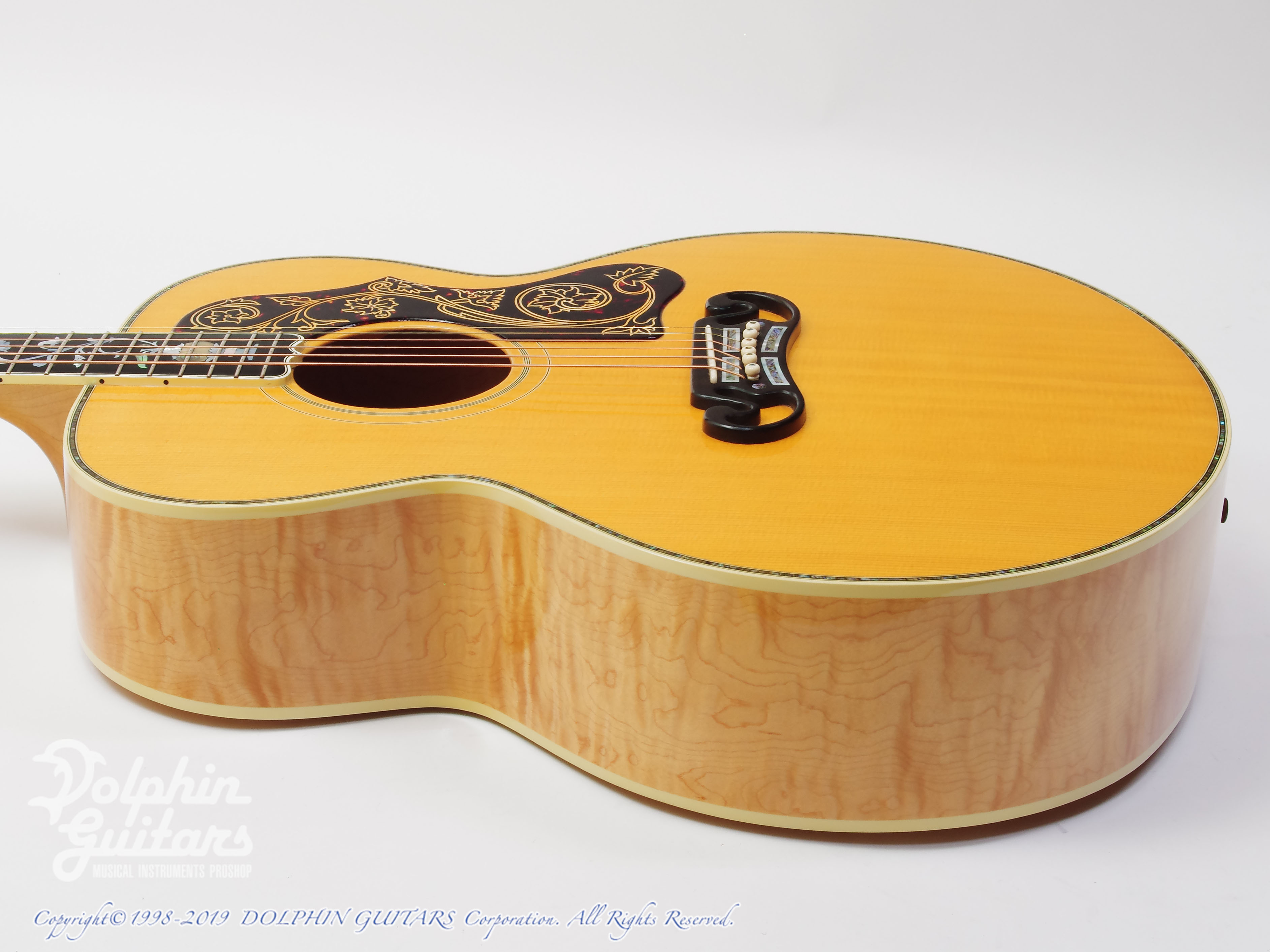 "Gibson: J-200 ""Tree Of Life"" (2)"