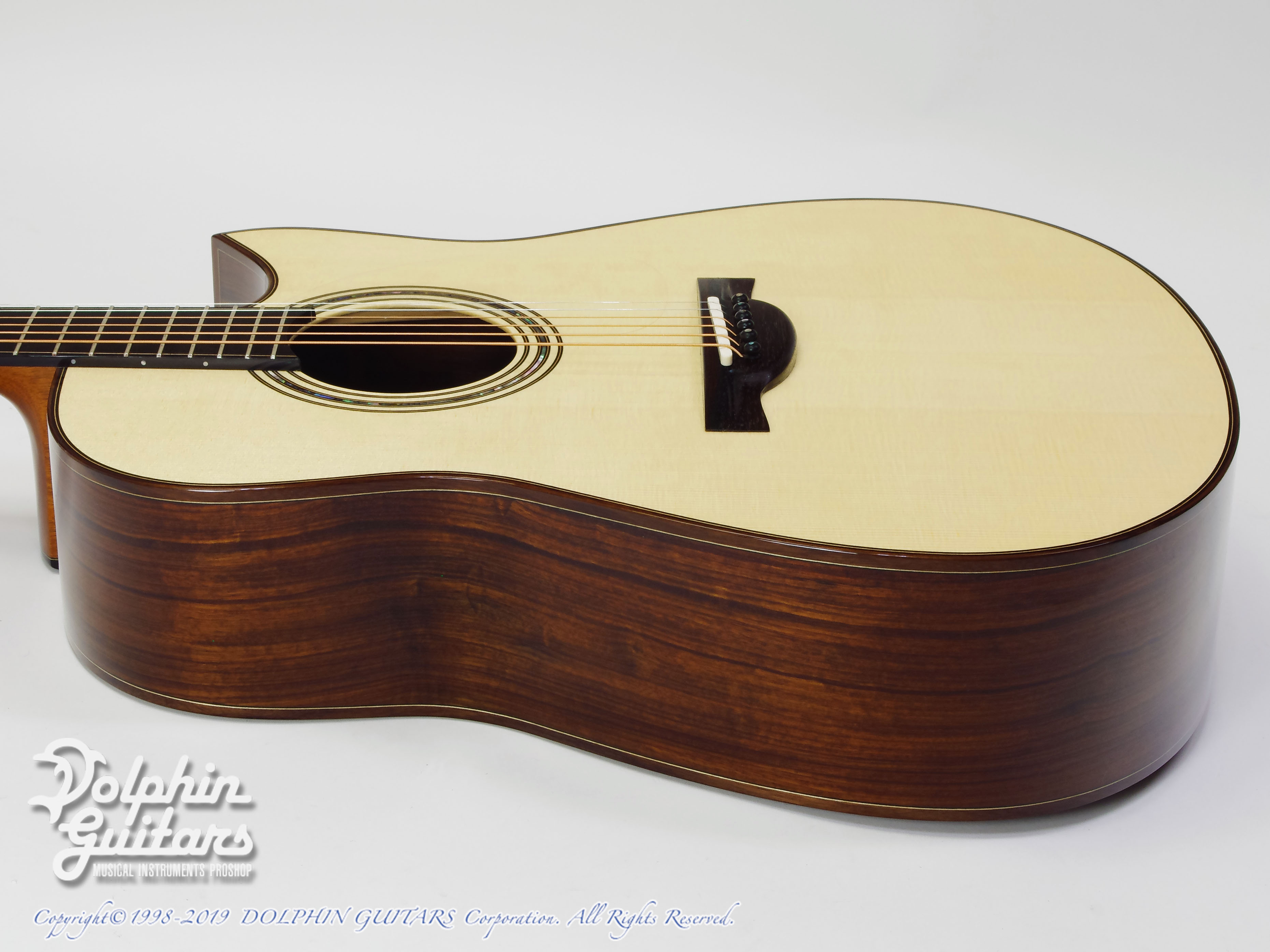 KAMEOKA: MD-51 Cutaway  (German Spruce & Granadillo) (2)