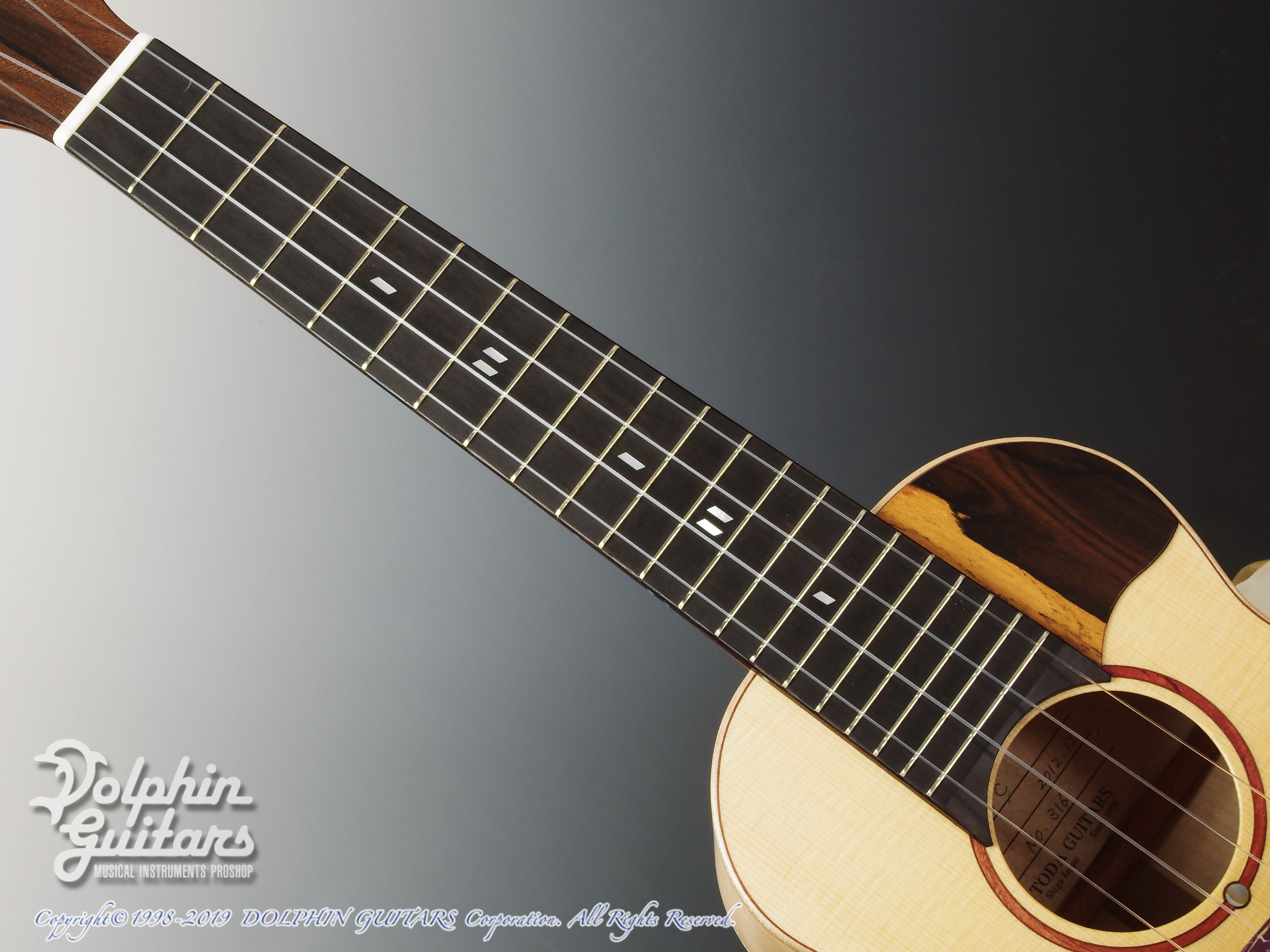 TODA GUITARS: VC (Spruce & Curly Maple) (4)