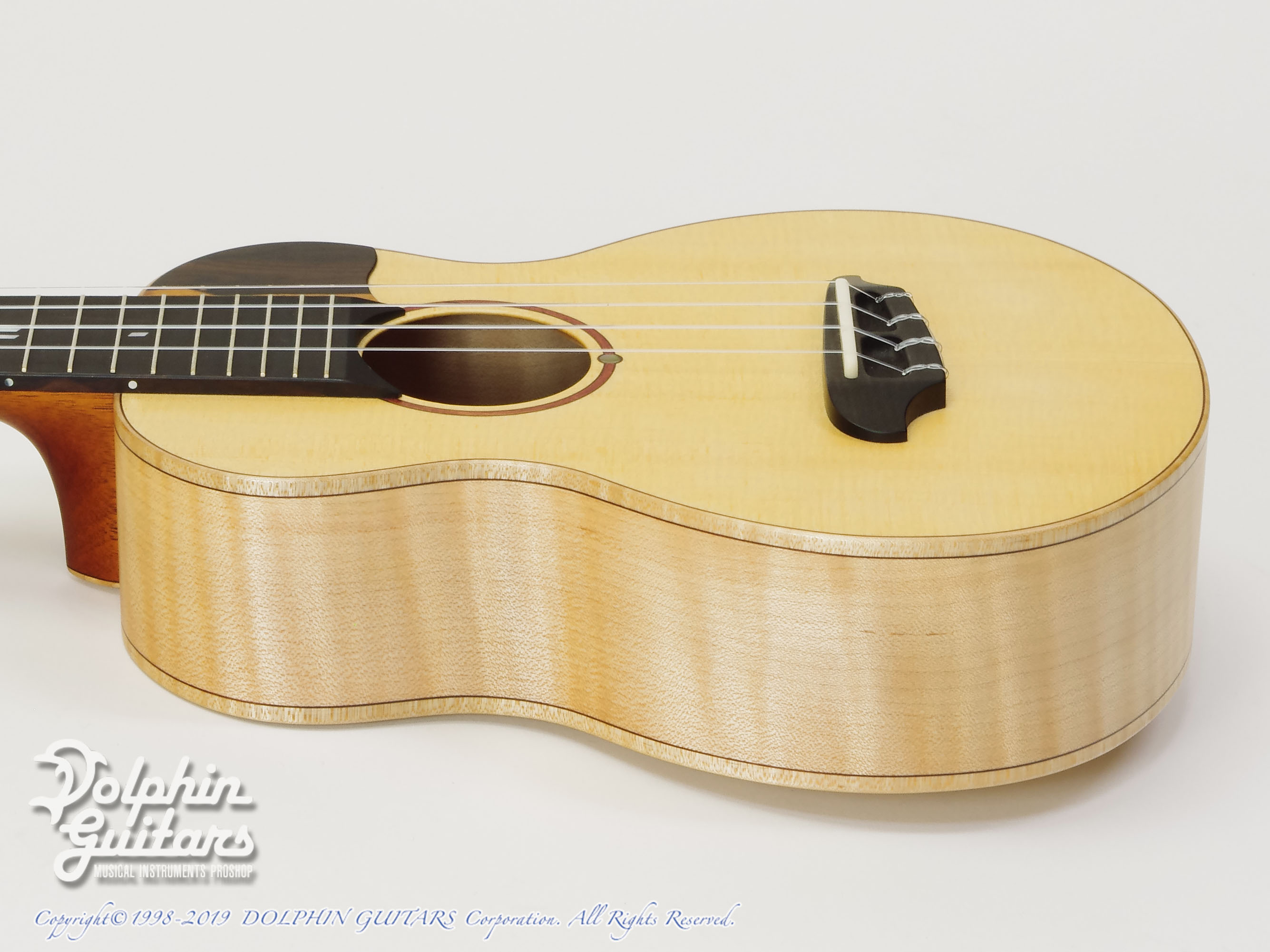 TODA GUITARS: VC (Spruce & Curly Maple) (2)