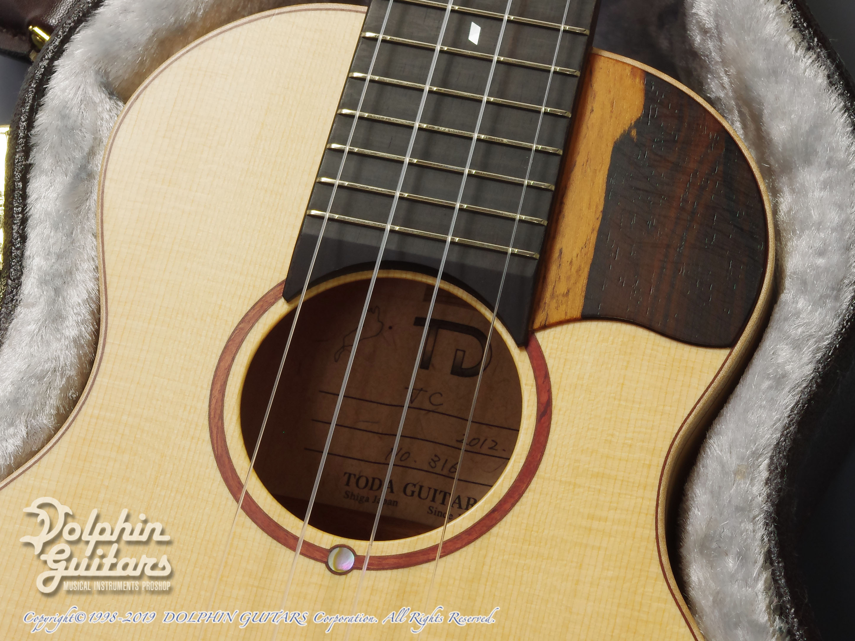 TODA GUITARS: VC (Spruce & Curly Maple) (10)