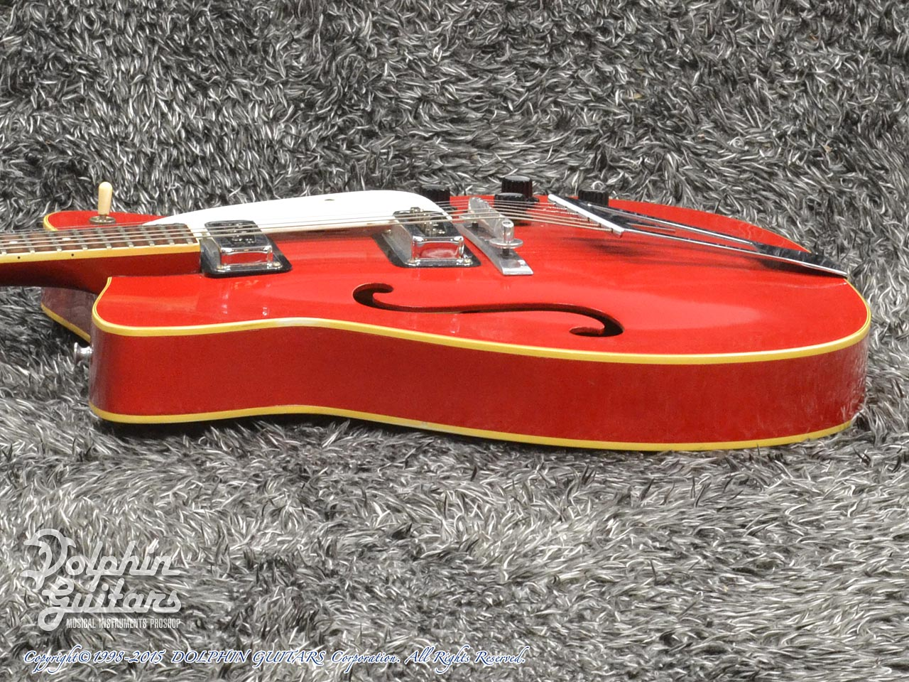C.F.Martin: GT-75 (Red) (2)