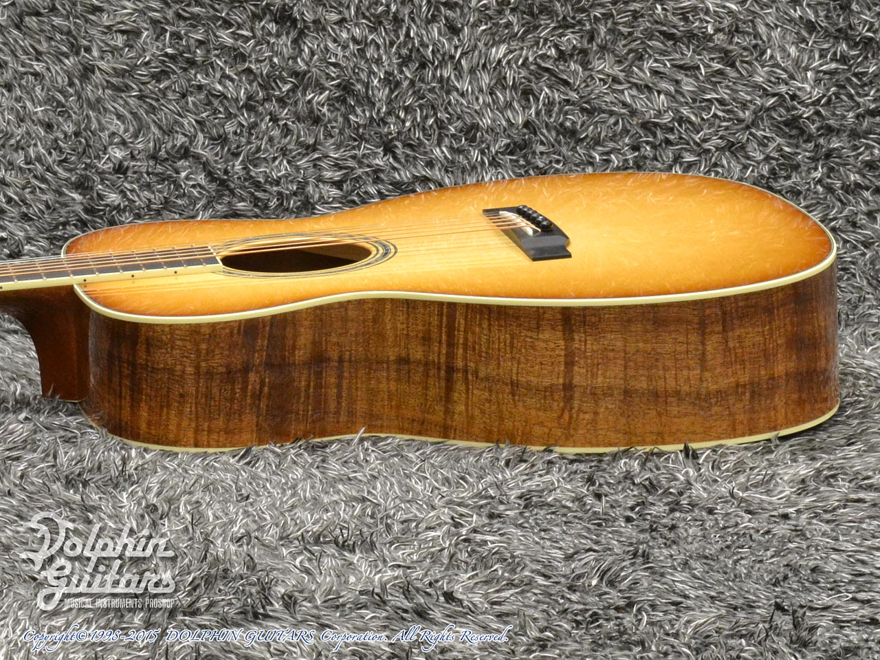 COLLINGS: OM-3 Figured Koa Custom (Western Shaded Top) (2)
