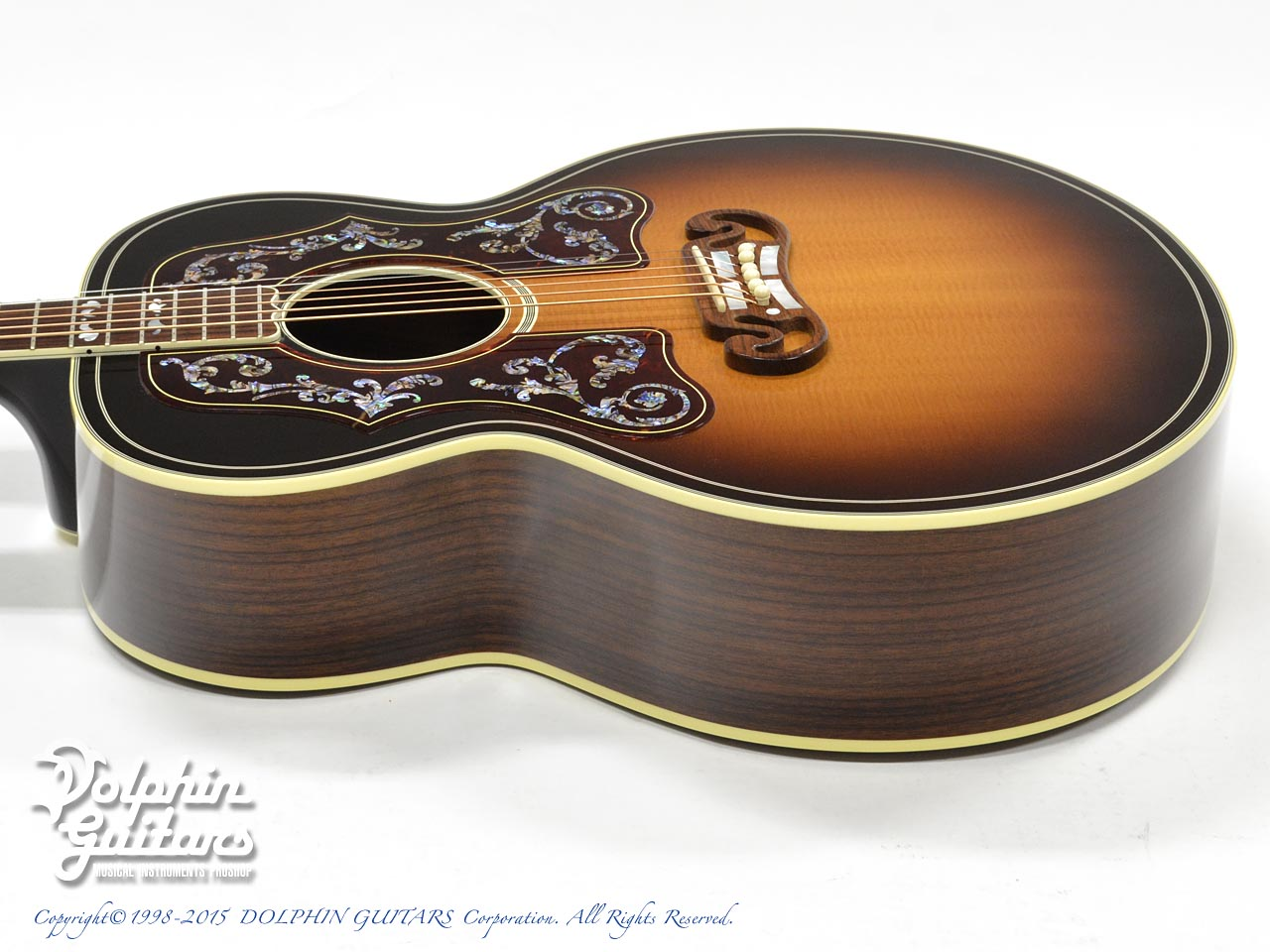 Gibson: Bob Dylan Autographed SJ-200 Collector's Edition (2)