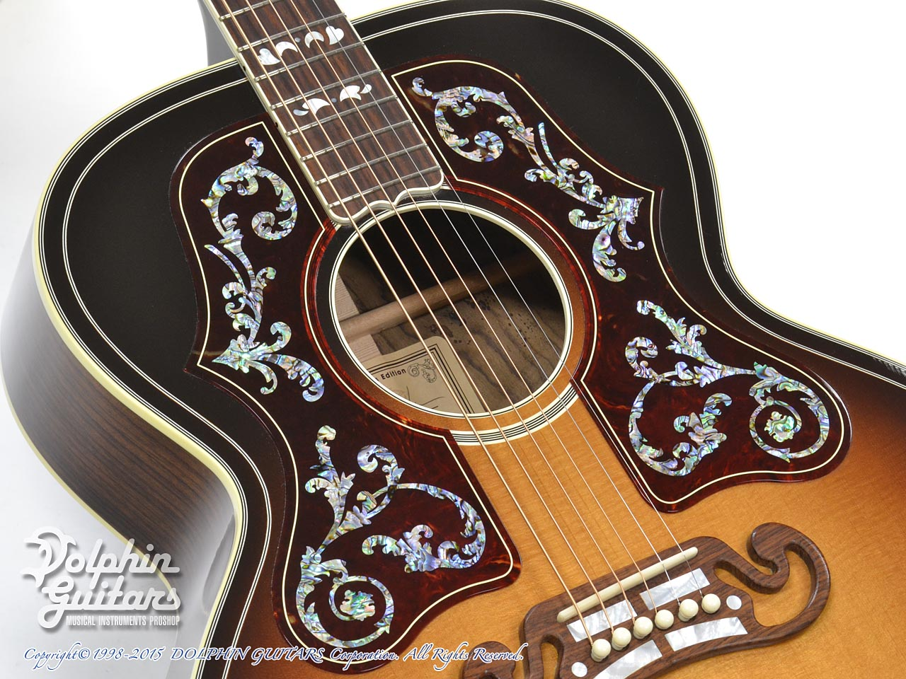 Gibson: Bob Dylan Autographed SJ-200 Collector's Edition (8)