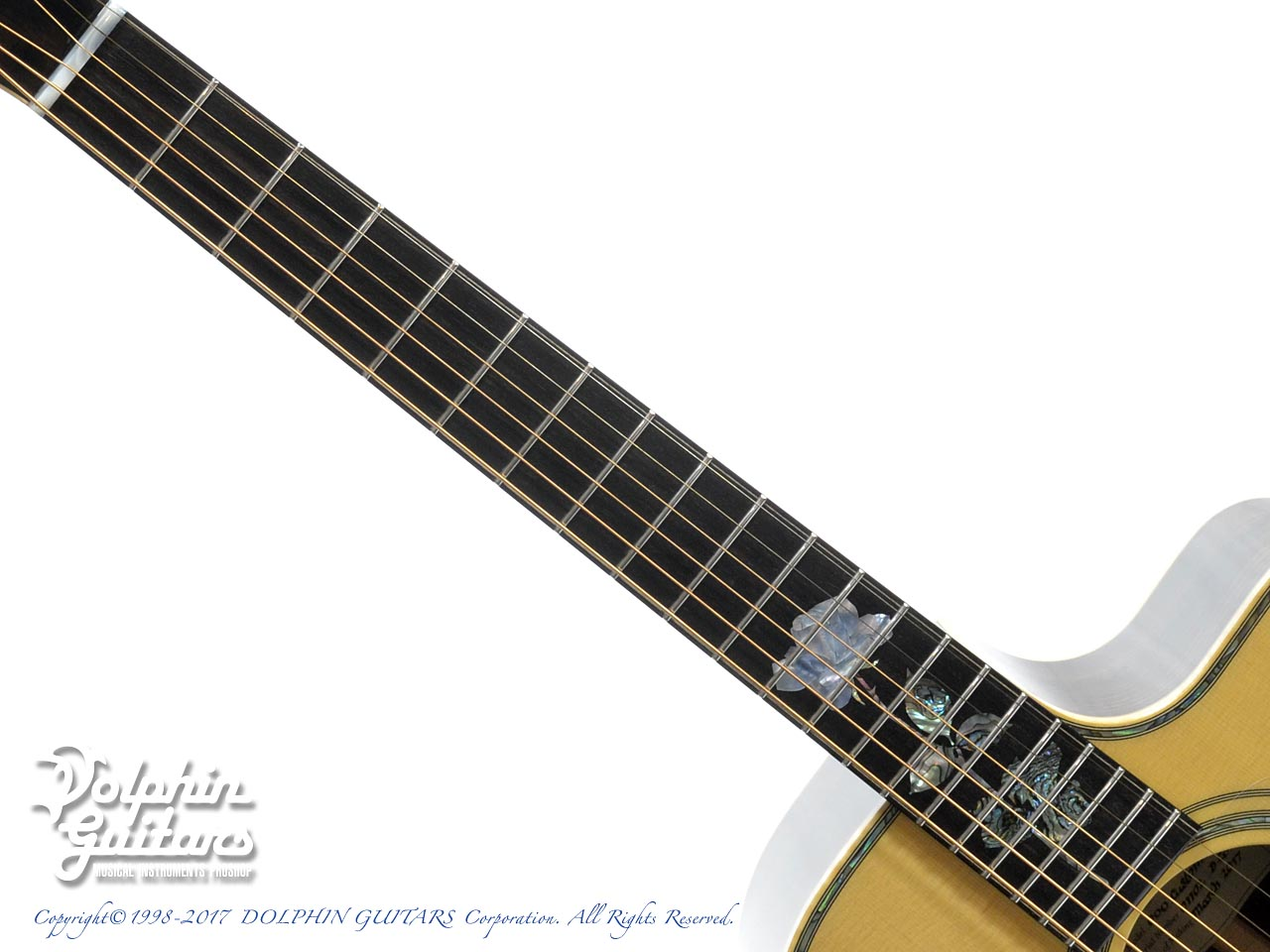 "MELVILLE GUITARS: 000 Cutaway with ""Melville"" Rose Inlay (4)"